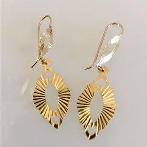 Beautiful 14k fancy cut - Gold dangle Earrings